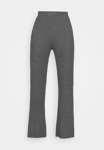 RIBBED FLARE TROUSERS - Bukse - mottled dark grey