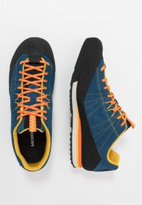 Merrell - CATALYST - Hiking shoes - sailor - 1