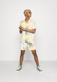 Nominal - SPIRAL TWIN SET - Shorts - multicolor - 1