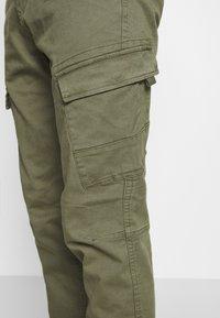 Esprit - OCS  - Cargo trousers - khaki green - 4
