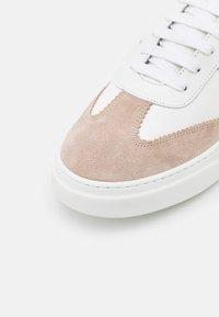 Copenhagen - CPH103M - Sneakersy niskie - white/nature - 5