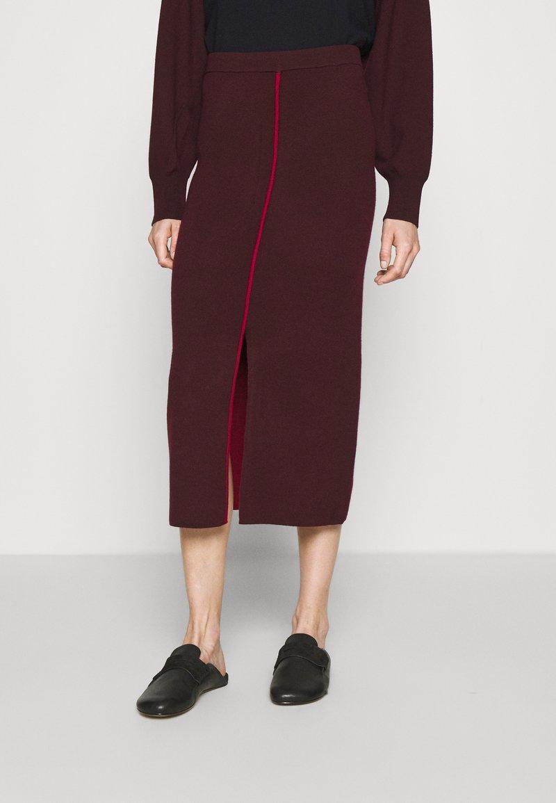 Victoria Victoria Beckham - COLUMN PULL ON SKIRT - Pencil skirt - iron red