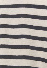 Lounge Nine - KYA  - Print T-shirt - navy/oat - 5