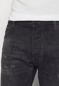 Emporio Armani - POCKETS PANT - Slim fit jeans - anthracite - 6