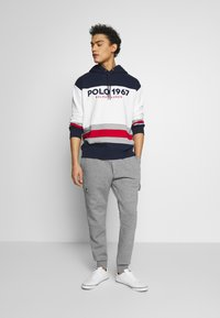 Polo Ralph Lauren - DOUBLE TECH - Pantaloni sportivi - battalion heather - 1