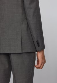 BOSS - HUGE/GENIUS - Suit - grey - 6