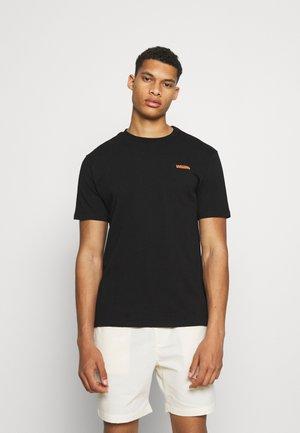 NAVAJO UNISEX  - Camiseta estampada - black/gold