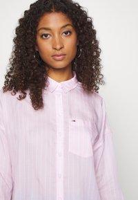 Tommy Jeans - BOLD STRIPE - Button-down blouse - romantic pink/white - 3