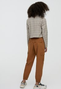 PULL&BEAR - Cargo trousers - brown - 2