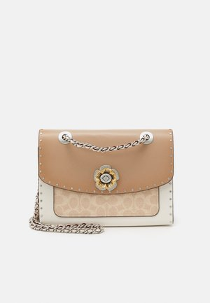 SIGNATURE BORDER RIVETS PARKER SHOULDER BAG - Torebka - sand/taupe/multi