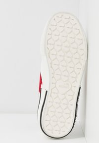 Love Moschino - LABEL SOLE - Zapatillas - white - 6