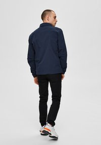 Selected Homme - SLHNILES - Tunn jacka - mottled dark blue - 2