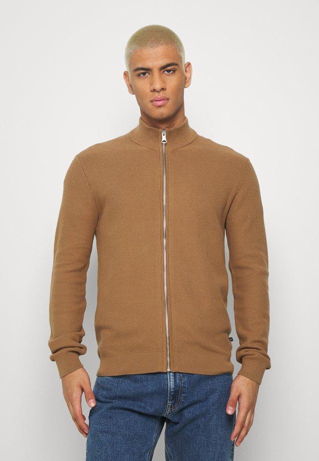 MACARDO - Vest - rich beige