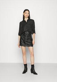 ONLY - ONLANNALIE - Button-down blouse - black/white - 1