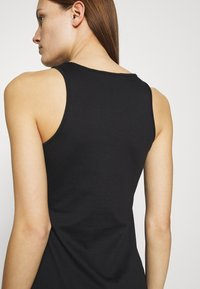 Calvin Klein Jeans - URBAN LOGO TANK DRESS - Sukienka z dżerseju - black - 4