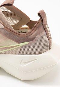 Nike Sportswear - VISTA LITE - Trainers - fossil stone/barely volt/desert dust - 2