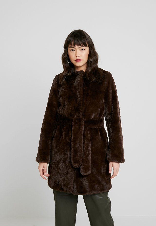 LONGLINE WITH SELF BELT - Cappotto invernale - chocolate