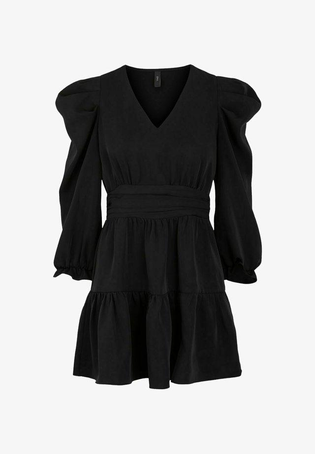 YASBELLA - Korte jurk - black