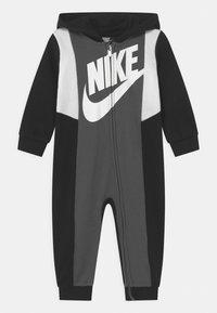 Nike Sportswear - SPORTSWEAR HOODED FULL-ZIP  - Overal - black - 0