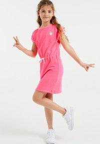 WE Fashion - Vestido ligero - bright pink - 0
