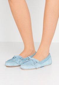Pretty Ballerinas - MICROTINA CROSTINA - Mokkasiner - light blue - 0