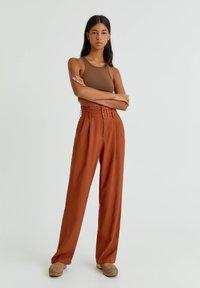 PULL&BEAR - Trousers - mottled orange - 1