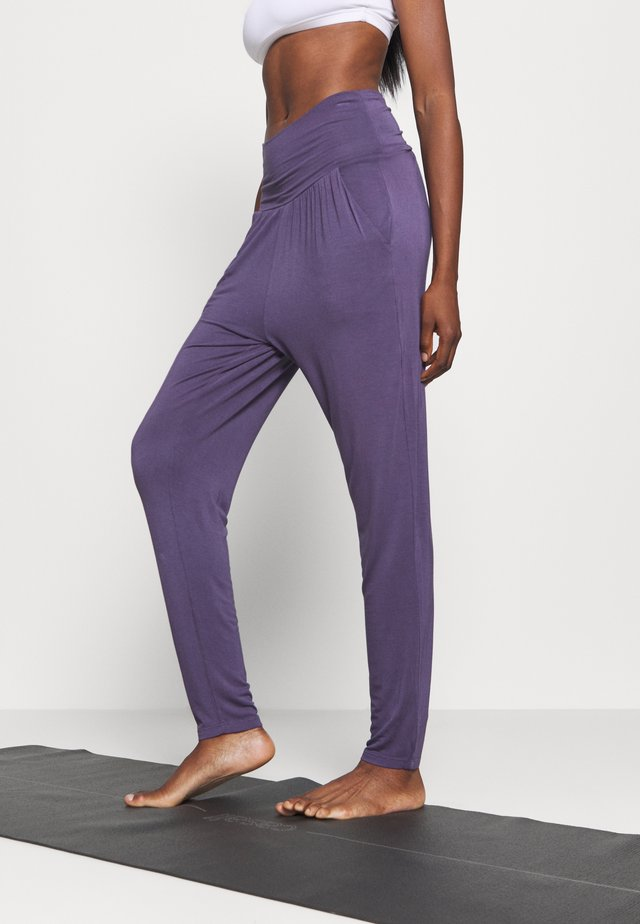 PANTS - Tracksuit bottoms - violet