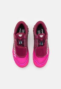 Dynafit - FELINE SL - Trail running shoes - beet red/pink glow - 3