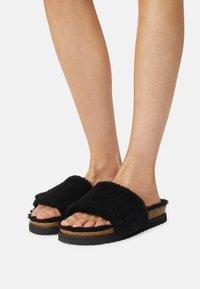 Gabor - Slippers - schwarz - 0