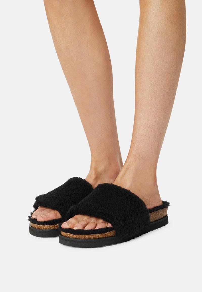 Gabor - Slippers - schwarz