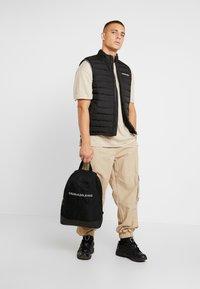 Calvin Klein Jeans - MONOGRAM - Ryggsekk - black - 1