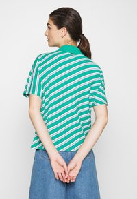 Lacoste LIVE - Polo shirt - greenfinch/multicolor - 2