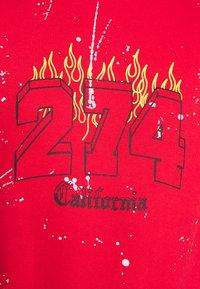 274 - VARSITY CREW - Sweatshirt - red - 5