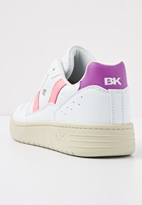 British Knights - RAWW - Baskets basses - white/neon peach/purple - 4