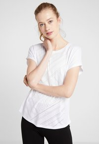 ONLY Play - ONPJONI LOOSE BURNOUT TEE - T-shirt med print - white - 0