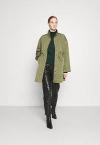 YAS - YASWENNA QUILTED  - Short coat - khaki - 1