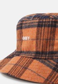 Obey Clothing - REVERSIBLE BUCKET HAT UNISEX - Šešir - chili/multicolor - 3