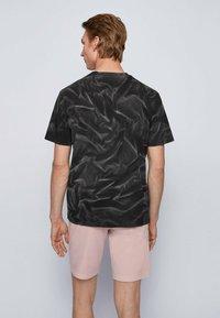 BOSS - TSOIL - Print T-shirt - black - 2