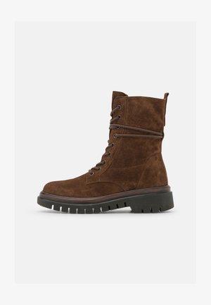 Platform ankle boots - whisky/cognac