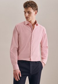 Seidensticker - BUSINESS SLIM - Shirt - rot - 4
