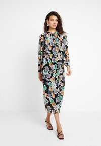 mint&berry - Maxi dress - black - 0