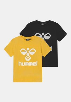 TRE DOUBLE 2 PACK UNISEX - T-shirt imprimé - yellow/black