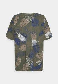 Shine Original - PALM O NECK TEE - Print T-shirt - army - 0