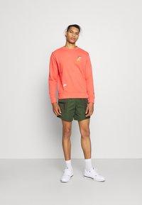 Nike Sportswear - Sweatshirt - magic ember - 1