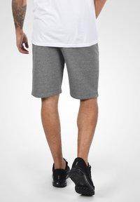Solid - RAFIK - Shorts - dark grey melange - 2