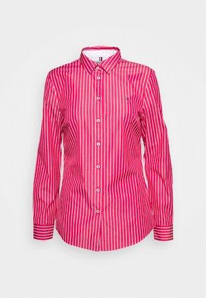SONYA - Button-down blouse - ruby jewel