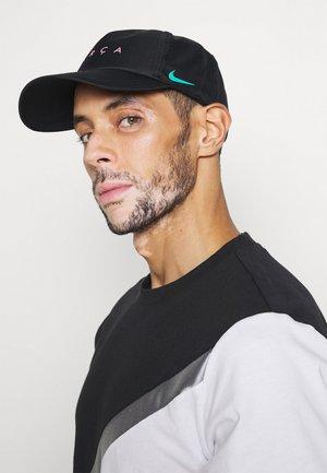 FC BARCELONA DRY  - Cap - black/new green