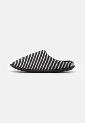 Pantuflas - black/white