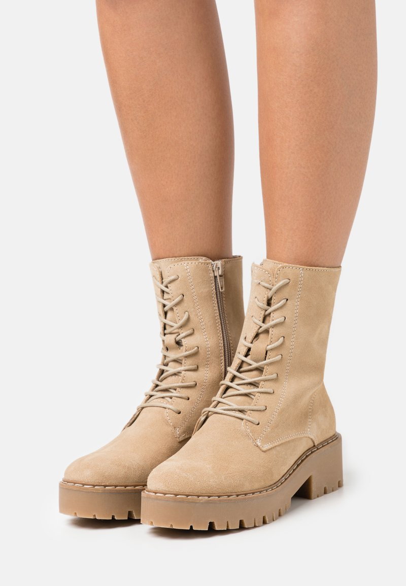 Mexx - GINTO - Platform ankle boots - beige