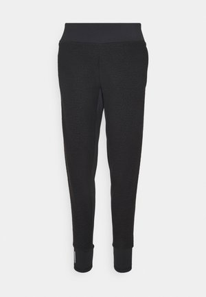 STUDIO FITTED PANT - Verryttelyhousut - black